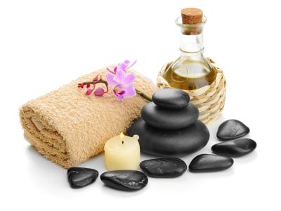 ekskluzywny masaż gorącymi kamieniami wygoda i klimat SPA podczas masażu